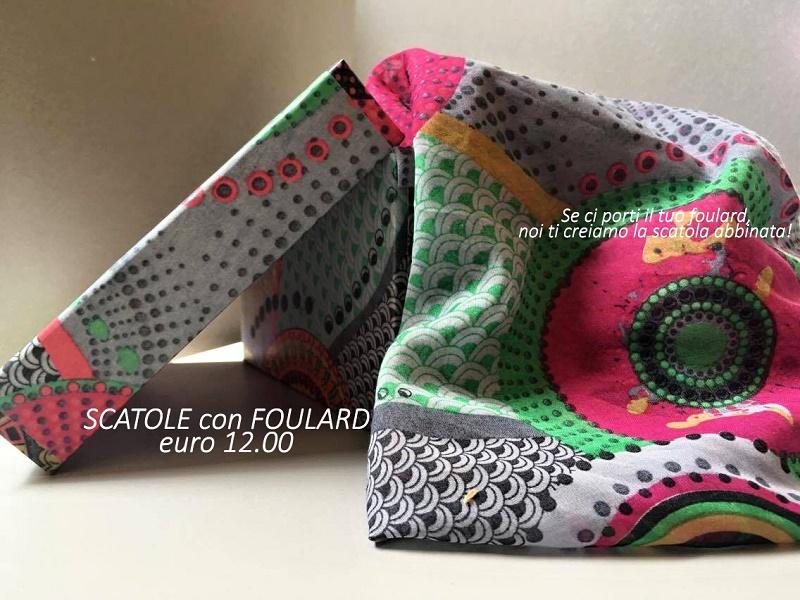 scatola con foulard